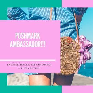 POSHMARK AMBASSADOR HERE! DEESCLOSETFINDS